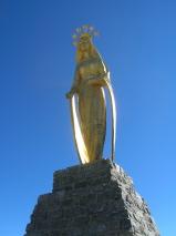 La grande statua sulla cima di Monte Moro