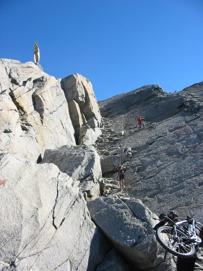 I lastroni sotto alla cima del Monte Moro